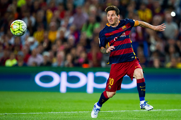 BARCELONA, SPAIN - SEPTEMBER 20:  Lionel Messi of FC Barcelona controls the ball during the La Liga match between FC Barcelona and Levante UD at Camp Nou on September 20, 2015 in Barcelona, Spain.  (Photo by Alex Caparros/Getty Images)