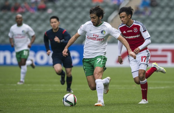 SO KON PO, HONG KONG SAR - FEBRUARY 19: Raul Gonzalez (C) of New York Cosmos in action during the 2015 Lunar New Year Cup match between South China and the New York Cosmos at Hong Kong Stadium on February 19, 2015 in So Kon Po, Hong Kong.  (Photo by Victor Fraile/Getty Images)