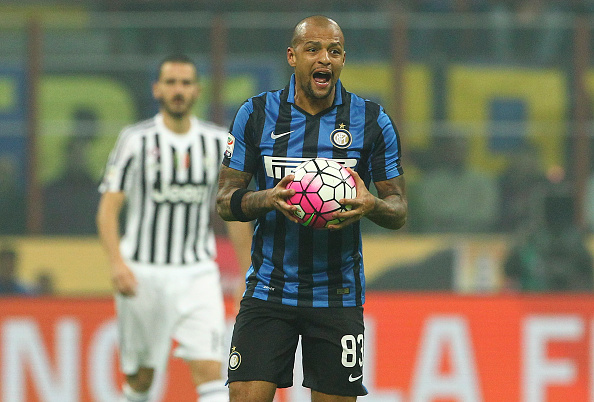 MILAN, ITALY - OCTOBER 18:  Felipe Melo of FC Internazionale Milano reacts during the Serie A match between FC Internazionale Milano and Juventus FC at Stadio Giuseppe Meazza on October 18, 2015 in Milan, Italy.  (Photo by Marco Luzzani/Getty Images)