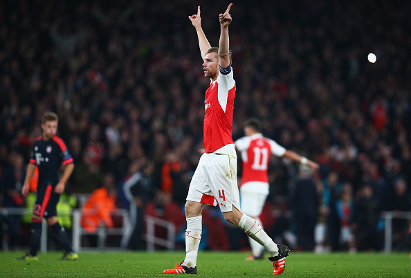 LONDON, ENGLAND - OCTOBER 20:  Per Mertesacker of Arsenal celebrates victory after the UEFA Champions League Group F match between Arsenal FC and FC Bayern Munchen at Emirates Stadium on October 20, 2015 in London, United Kingdom.  (Photo by Paul Gilham/Getty Images)