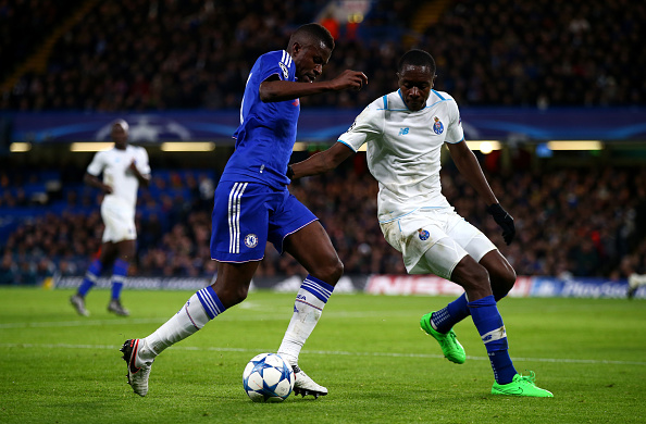 LONDON, ENGLAND - DECEMBER 09:  Ramires of Chelsea and Giannelli Imbula of FC Porto in action during the UEFA Champions League Group G match between Chelsea FC and FC Porto at Stamford Bridge on December 9, 2015 in London, United Kingdom.  (Photo by Clive Rose/Getty Images)