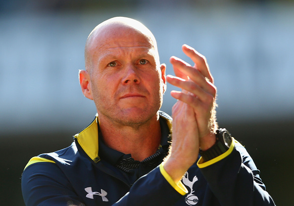 LONDON, ENGLAND - MAY 16:  Brad Friedel of Spurs applauds the fans after the Barclays Premier League match between  Tottenham Hotspur and Hull City at White Hart Lane on May 16, 2015 in London, England.  (Photo by Paul Gilham/Getty Images)