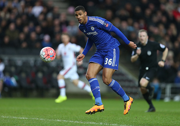 MILTON KEYNES, ENGLAND - JANUARY 31:  Ruben Loftus-Cheek of Chelsea in action during The Emirates FA Cup Fourth Round match between Milton Keynes Dons and Chelsea at Stadium mk on January 31, 2016 in Milton Keynes, England.  (Photo by Pete Norton/Getty Images)