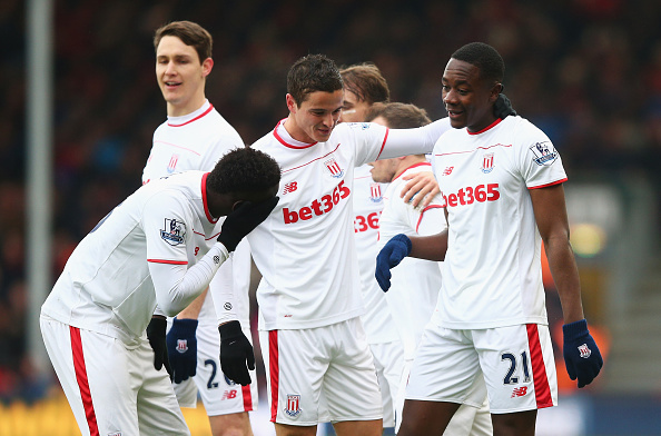 BOURNEMOUTH, ENGLAND - FEBRUARY 13:  Giannelli Imbula (R) of Stoke City celebrates scoring his team's first goal with his team mates during the Barclays Premier League match between A.F.C. Bournemouth and Stoke City at Vitality Stadium on February 13, 2016 in Bournemouth, England.  (Photo by Paul Gilham/Getty Images)