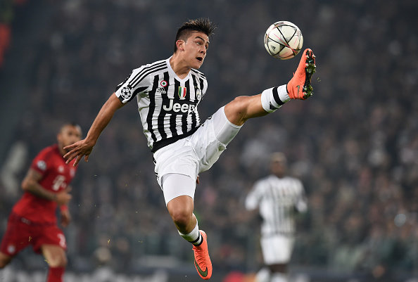 TURIN, ITALY - FEBRUARY 23:  Paulo Dybala of Juventus controls the ball during the UEFA Champions League round of 16, first leg match between Juventus and FC Bayern Muenchen at Juventus Arena on February 23, 2016 in Turin, Italy.  (Photo by Matthias Hangst/Bongarts/Getty Images)