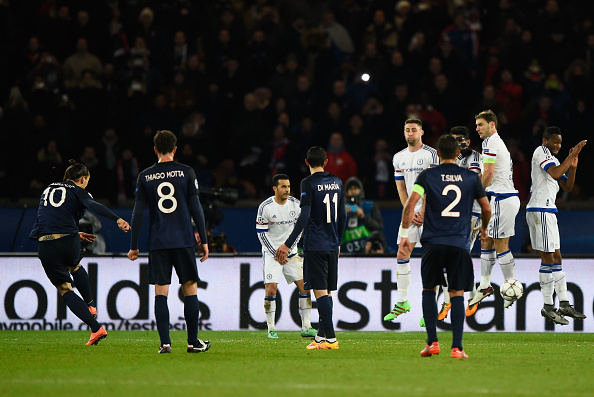 PARIS, FRANCE - FEBRUARY 16:  Zlatan Ibrahimovic of Paris Saint-Germain (10) scores their first goal from a free kick during the UEFA Champions League round of 16 first leg match between Paris Saint-Germain and Chelsea at Parc des Princes on February 16, 2016 in Paris, France.  (Photo by Mike Hewitt/Getty Images)
