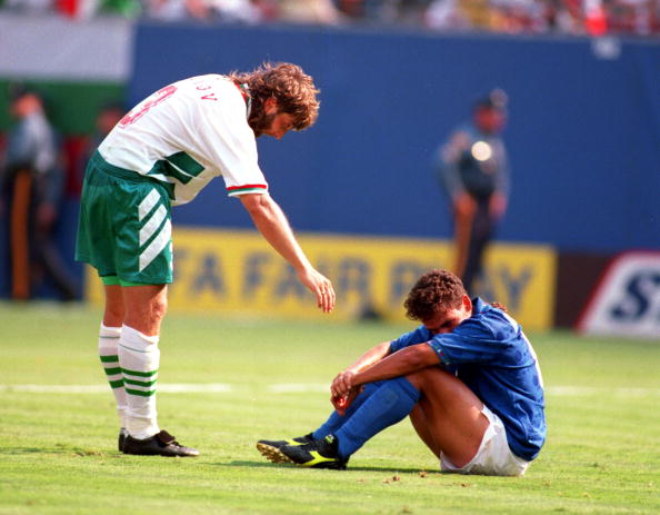 13 JUL 1994:  ROBERTO BAGGIO OF ITALY AND TRIFON IVANOV AT THE 1994 SEMI-FINAL WORLD CUP MATCH ITALY V BULGARIA AT THE MEADOWLANDS, NEW JERSEY. Mandatory Credit: Simon Bruty/ALLSPORT