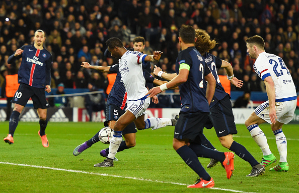during the UEFA Champions League round of 16 first leg match between Paris Saint-Germain and Chelsea at Parc des Princes on February 16, 2016 in Paris, France.