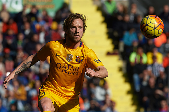 VALENCIA, SPAIN - FEBRUARY 07:  Ivan Rakitic of Barcelona in action during the La Liga match between Levante UD and FC Barcelona at Ciutat de Valencia on February 07, 2016 in Valencia, Spain.  (Photo by Manuel Queimadelos Alonso/Getty Images)