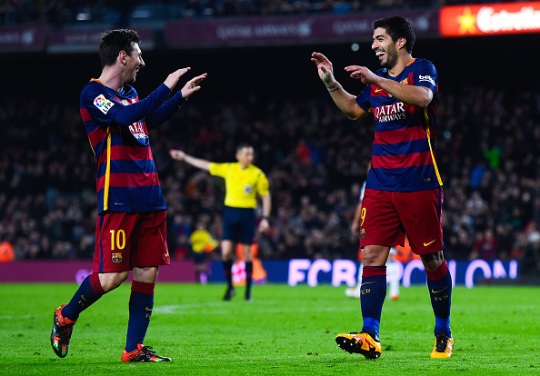 BARCELONA, SPAIN - FEBRUARY 03:  Luis Suarez of FC Barcelona celebrates with his teammate Lionel Messi after scoring his team's seventh goal during the Copa del Rey Semi Final first leg match between FC Barcelona and Valencia at Nou Camp on February 3, 2016 in Barcelona, Spain.  (Photo by David Ramos/Getty Images)