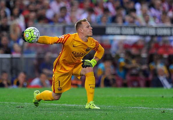 MADRID, SPAIN - SEPTEMBER 12:  Marc-Andre Ter Stegen of FC Barcelona in action during the La Liga match between Club Atletico de Madrid and FC Barcelona at Vicente Calderon Stadium on September 12, 2015 in Madrid, Spain.  (Photo by Denis Doyle/Getty Images)