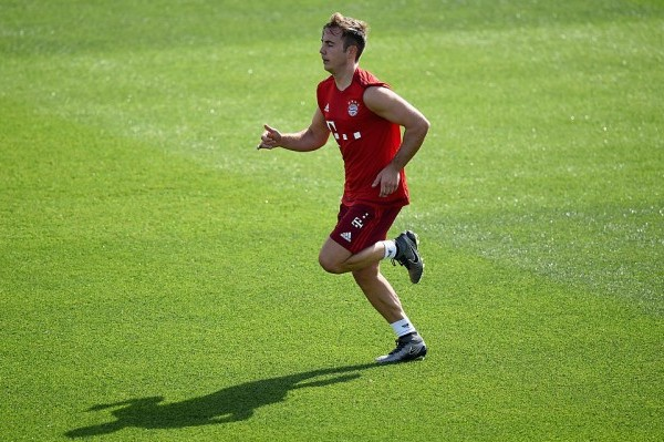 DOHA, QATAR - JANUARY 08: MArio Goetze runs during a training session at day three of the Bayern Muenchen training camp at Aspire Academy  on January 8, 2016 in Doha, Qatar.  (Photo by Lars Baron/Bongarts/Getty Images)