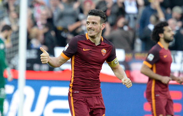 UDINE, ITALY - MARCH 13:  Alessandro Florenzi of AS Roma  celebrates after scoring his team's second  goal during the Serie A match between Udinese Calcio and AS Roma at Stadio Friuli on March 13, 2016 in Udine, Italy.  (Photo by Dino Panato/Getty Images)
