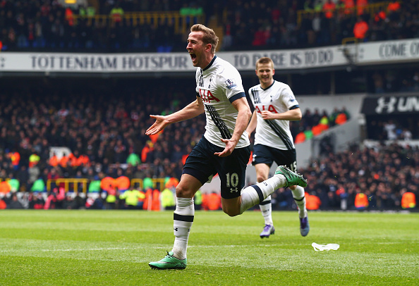 LONDON, ENGLAND - MARCH 05: Harry Kane of Tottenham Hotspur scores his team's second goal during the Barclays Premier League match between Tottenham Hotspur and Arsenal at White Hart Lane on March 5, 2016 in London, England.  (Photo by Clive Rose/Getty Images)