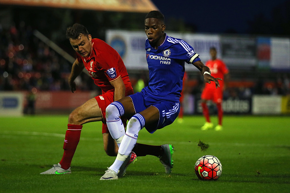 ALDERSHOT, ENGLAND - SEPTEMBER 11:  Charly Musonda of Chelsea avoids Conor Randall of Liverpool during the Premier League International Cup match between Chelsea U21 and Liverpool U21 on September 11, 2015 in Aldershot, England.  (Photo by Bryn Lennon/Getty Images)