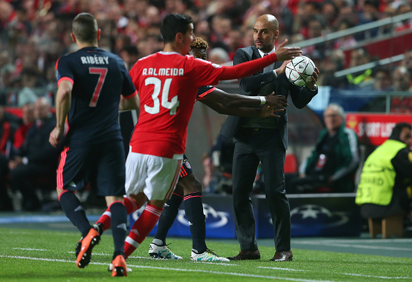during the UEFA Champions League quarter final second leg match between SL Benfica and FC Bayern Muenchen at Estadio da Luz on April 13, 2016 in Lisbon, Portugal.
