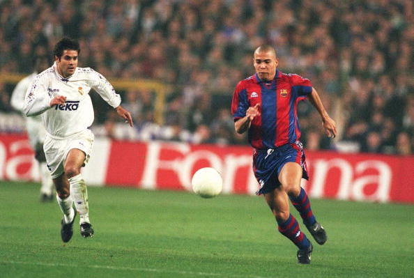 SPAIN - FEBRUARY 06:  SPANISCHER POKAL 96/97 REAL MADRID - FC BARCELONA 1:1; RONALDO/BARCELONA  (Photo by Andreas Rentz/Bongarts/Getty Images)