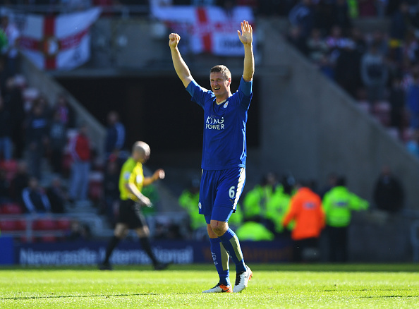SUNDERLAND, UNITED KINGDOM - APRIL 10:  Robert Huth of Leicester City celebrates after victory in the Barclays Premier League match between Sunderland and Leicester City at the Stadium of Light on April 10, 2016 in Sunderland, England.  (Photo by Shaun Botterill/Getty Images)