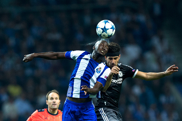 PORTO, PORTUGAL - SEPTEMBER 29:  Danilo Pereira (L) of FC Porto wins the header after Cesc Fabregas (R) of Chelsea FC during the UEFA Champions League Group G match between FC Porto and Chelsea FC  at Estadio do Dragao on September 29, 2015 in Porto, Portugal.  (Photo by Gonzalo Arroyo Moreno/Getty Images)