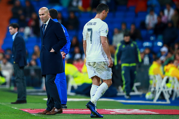 MADRID, SPAIN - APRIL 20:  Cristiano Ronaldo of Real Madrid CF leaves the pitch before ending the match during the La Liga match between Real Madrid CF and Villarreal CF at Estadio Santiago Bernabeu on April 20, 2016 in Madrid, Spain.  (Photo by Gonzalo Arroyo Moreno/Getty Images)
