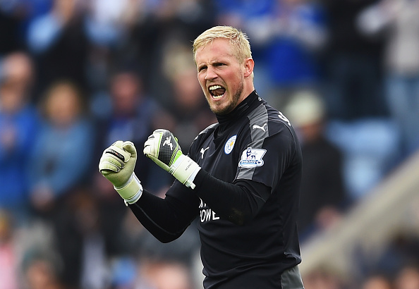 LEICESTER, ENGLAND - APRIL 03:  Kasper Schmeichel of Leicester City celebrates victory after the Barclays Premier League match between Leicester City and Southampton at The King Power Stadium on April 3, 2016 in Leicester, England.  (Photo by Laurence Griffiths/Getty Images)