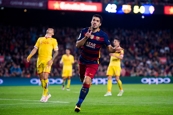 BARCELONA, SPAIN - APRIL 23:  Luis Suarez of FC Barcelona celebrates after scoring his team's sixth goal during the La Liga match between FC Barcelona and Sporting Gijon at Camp Nou on April 23, 2016 in Barcelona, Spain.  (Photo by Alex Caparros/Getty Images)