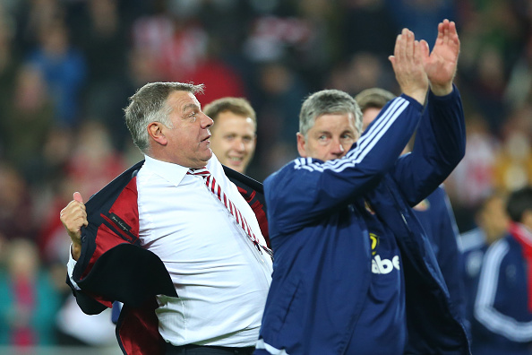 SUNDERLAND, ENGLAND - MAY 11:  Sam Allardyce, manager of Sunderland celebrates staying in the Premier League after victory during the Barclays Premier League match between Sunderland and Everton at the Stadium of Light on May 11, 2016 in Sunderland, England.  (Photo by Ian MacNicol/Getty Images)