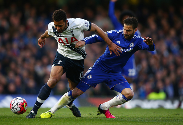 LONDON, ENGLAND - MAY 02:  Mousa Dembele of Tottenham Hotspur is tackled by Cesc Fabregas of Chelsea during the Barclays Premier League match between Chelsea and Tottenham Hotspur at Stamford Bridge on May 02, 2016 in London, England.  (Photo by Ian Walton/Getty Images)