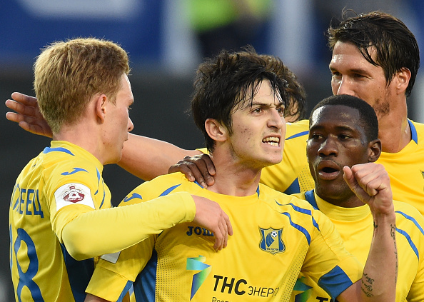 MOSCOW, RUSSIA - MAY 12: Sardar Azmoun of FC Rostov celebrates after scoring a goal during the Russian Premier League match between FC Dinamo Moscow and FC Rostov at the Arena Khimki Stadium on May 12, 2016 in Moscow, Russia.  (Photo by Epsilon/Getty Images)