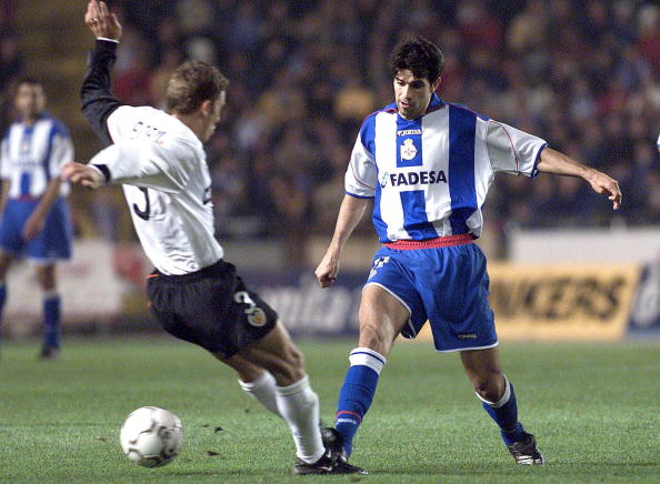 9 Dec 2001:  Valeron of Deportivo and Fabio Aurelio of Valencia in action during the Spanish Primera Liga match played between  Deportivo and Valencia game at the Riazor Stadium in Spain. DIGITAL IMAGE.  Mandatory Credit: Firo Photo/ALLSPORT
