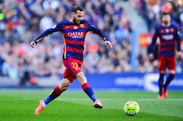 BARCELONA, SPAIN - MARCH 12:  Aleix Vidal of FC Barcelona runs with the ball during the La Liga match between FC Barcelona and Getafe CF at Camp Nou on March 12, 2016 in Barcelona, Spain.  (Photo by David Ramos/Getty Images)
