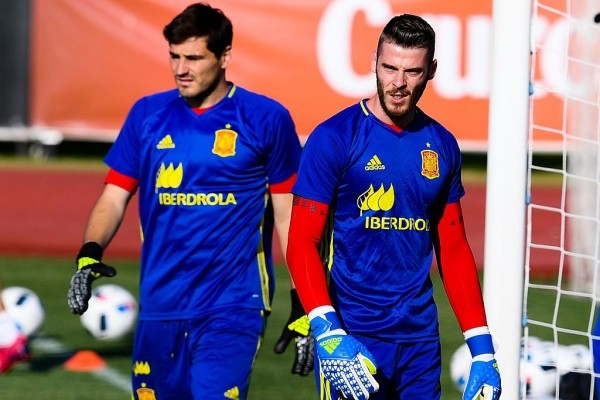 MADRID, SPAIN - JUNE 06:  Goalkeepers  David de Gea (R) and Iker Casillas of Spain of Spain look on during a training session at La Ciudad del Futbol de las Rozas on June 6, 2016 in Madrid, Spain.  (Photo by David Ramos/Getty Images)