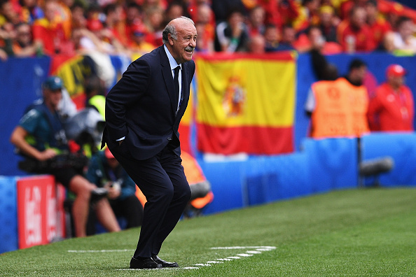 TOULOUSE, FRANCE - JUNE 13:  Vicente del Bosque head coach of Spain looks on during the UEFA EURO 2016 Group D match between Spain and Czech Republic at Stadium Municipal on June 13, 2016 in Toulouse, France.  (Photo by David Ramos/Getty Images)