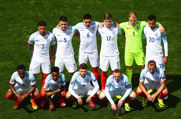 LENS, FRANCE - JUNE 16:  The England team pose for a team photo prior to the UEFA EURO 2016 Group B match between England and Wales at Stade Bollaert-Delelis on June 16, 2016 in Lens, France.  (Photo by Clive Rose/Getty Images)