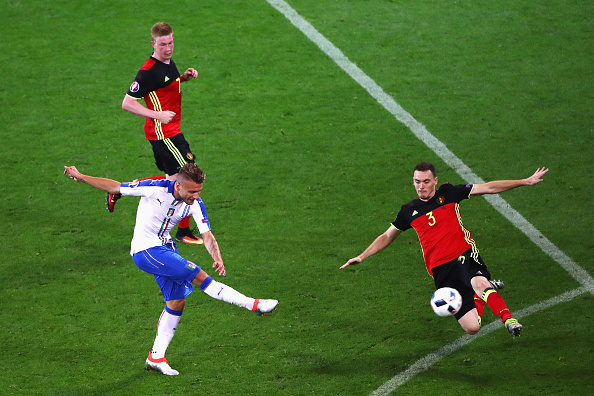 LYON, FRANCE - JUNE 13: Ciro Immobile of Italy shoots at goal while Thomas Vermaelen of Belgium tries to block during the UEFA EURO 2016 Group E match between Belgium and Italy at Stade des Lumieres on June 13, 2016 in Lyon, France.  (Photo by Clive Brunskill/Getty Images)