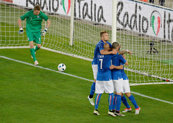 VERONA, ITALY - JUNE 06:  Antonio Candreva  of Italy celebrates after scoring  his opening goal from the penalty spot during the international friendly match between Italy and Finland on June 6, 2016 in Verona, Italy.  (Photo by Dino Panato/Getty Images)