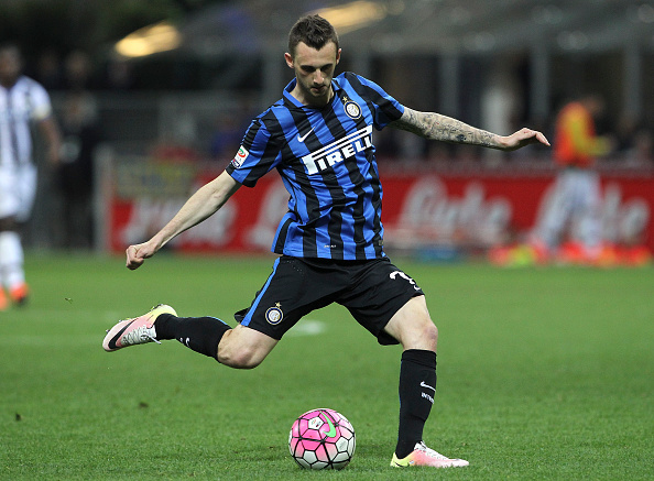 MILAN, ITALY - APRIL 23:  Marcelo Brozovic of FC Internazionale Milano in action during the Serie A match between FC Internazionale Milano and Udinese Calcio at Stadio Giuseppe Meazza on April 23, 2016 in Milan, Italy.  (Photo by Marco Luzzani/Getty Images)