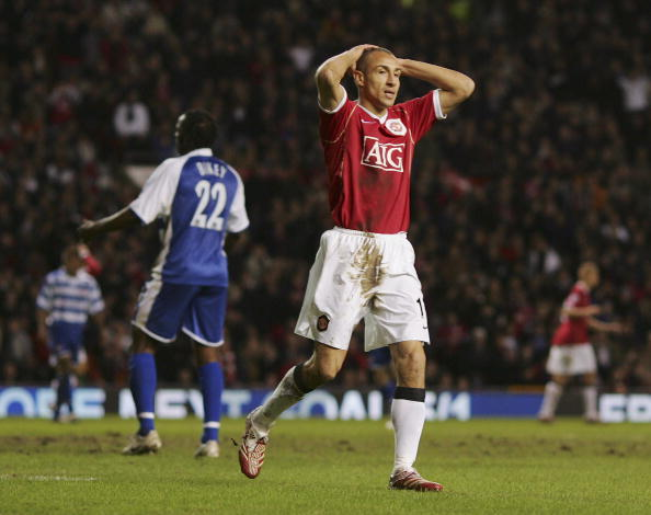 MANCHESTER, UNITED KINGDOM - FEBRUARY 17: Henrik Larsson of Manchester United reacts to a missed chance during the FA Cup sponsored by E.ON Fifth Round match between Manchester United and Reading at Old Trafford on February 17, 2007 in Manchester, England. (Photo by Richard Heathcote/Getty Images)