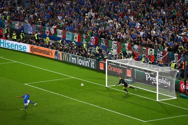 BORDEAUX, FRANCE - JULY 02:  Simone Zaza of Italy misses at the penalty shootout during the UEFA EURO 2016 quarter final match between Germany and Italy at Stade Matmut Atlantique on July 2, 2016 in Bordeaux, France.  (Photo by Lars Baron/Getty Images)