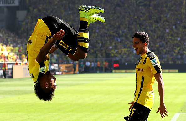 DORTMUND, GERMANY - AUGUST 27: Pierre Emerick Aubameyang of Dortmund celebrates after scoring his teams first goal during the Bundesliga match between Borussia Dortmund and 1. FSV Mainz 05 at Signal Iduna Park on August 27, 2016 in Dortmund, Germany.  (Photo by Lars Baron/Bongarts/Getty Images)