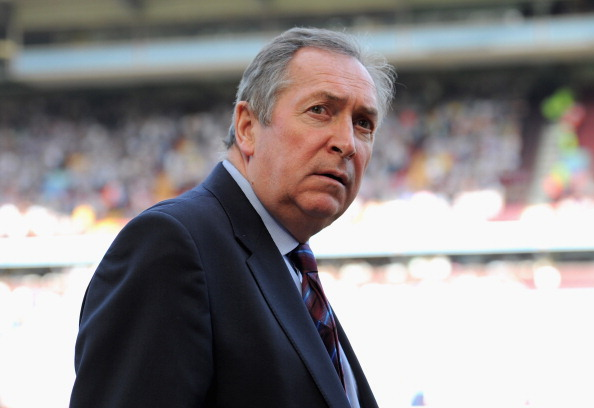 BIRMINGHAM, ENGLAND - APRIL 10:  Aston Villa manager Gerard Houllier ahead of the Barclays Premier League match between Aston Villa and Newcastle United at Villa Park on April 10, 2011 Birmingham, England.  (Photo by Michael Regan/Getty Images)