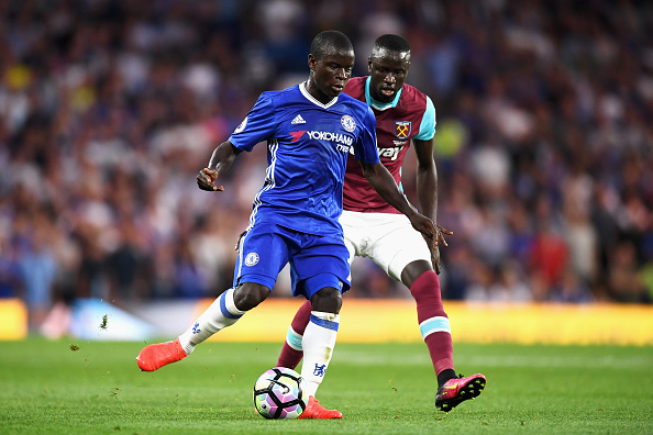 LONDON, ENGLAND - AUGUST 15:  N'Golo Kante of Chelsea is closed down by Cheikhou Kouyate of West Ham United during the Premier League match between Chelsea and West Ham United at Stamford Bridge on August 15, 2016 in London, England.  (Photo by Michael Regan/Getty Images)