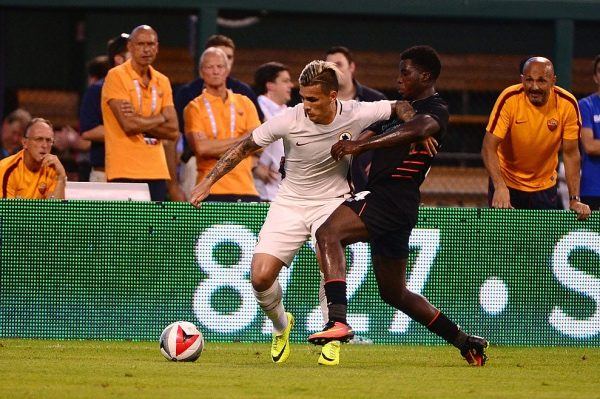 ST LOUIS, MO - AUGUST 01: Leandro Paredes #5 of AS Roma battles for the ball with Sheyi Ojo #54 of Liverpool FC during a friendly match at Busch Stadium on August 1, 2016 in St Louis, Missouri. AC Roma won 2-1. (Photo by Jeff Curry/Getty Images)