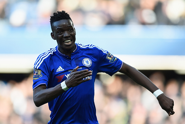 LONDON, ENGLAND - MARCH 05:  Bertrand Traore of Chelsea celebrates scoring his team's first goal during the Barclays Premier League match between Chelsea and Stoke City at Stamford Bridge on March 5, 2016 in London, England.  (Photo by Mike Hewitt/Getty Images)
