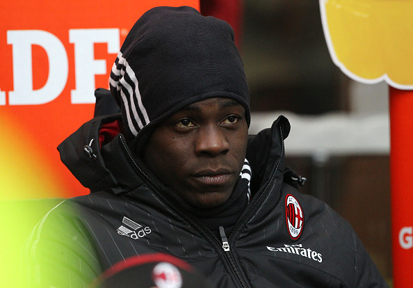 MILAN, ITALY - FEBRUARY 14:  Mario Balotelli of AC Milan looks on before the Serie A match between AC Milan and Genoa CFC at Stadio Giuseppe Meazza on February 14, 2016 in Milan, Italy.  (Photo by Marco Luzzani/Getty Images)
