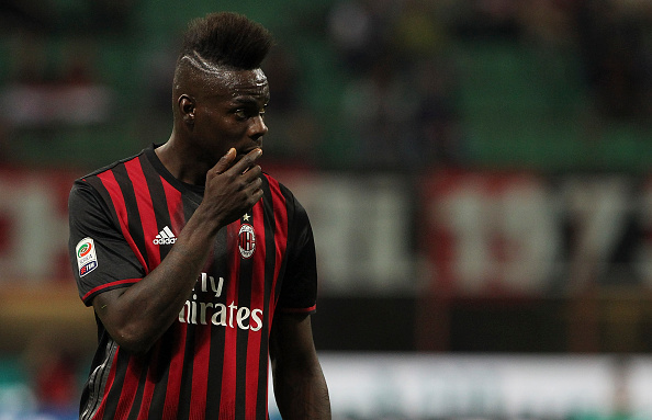 MILAN, ITALY - MAY 14:  Mario Balotelli of AC Milan looks on during the Serie A match between AC Milan and AS Roma at Stadio Giuseppe Meazza on May 14, 2016 in Milan, Italy.  (Photo by Marco Luzzani/Getty Images)