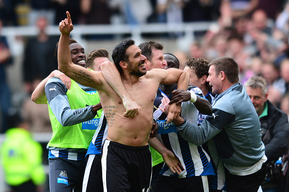 NEWCASTLE UPON TYNE, ENGLAND - MAY 24:  Jonas Gutierrez of Newcastle United celebrates scoring his team's second goal with his team mates during the Barclays Premier League match between Newcastle United and West Ham United at St James' Park on May 24, 2015 in Newcastle upon Tyne, England.  (Photo by Mark Runnacles/Getty Images)