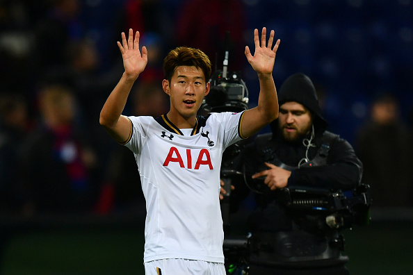 MOSCOW, RUSSIA - SEPTEMBER 27:  Heung-Min Son of Tottenham Hotspur celebrates victory after the UEFA Champions League Group E match between PFC CSKA Moskva and Tottenham Hotspur FC at Stadion CSKA Moskva on September 27, 2016 in Moscow, Russia.  (Photo by Dan Mullan/Getty Images)