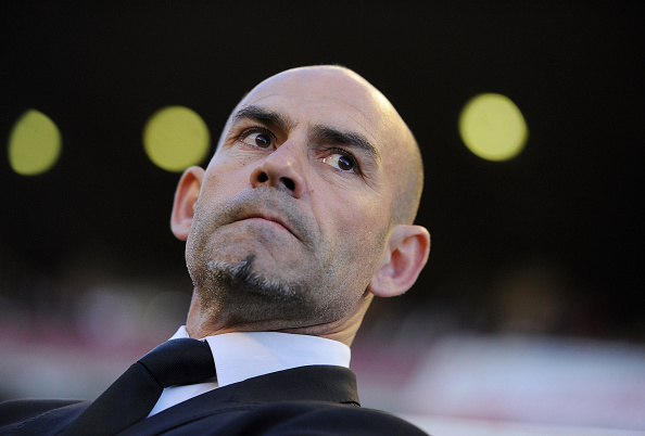 MADRID, SPAIN - APRIL 01:  Manager Paco Jemez of Rayo Vallecano de Madrid looks on during the La Liga match between Rayo Vallecano and Getafe CF at Estadio de Vallecas on April 1, 2016 in Madrid, Spain.  (Photo by Denis Doyle/Getty Images)