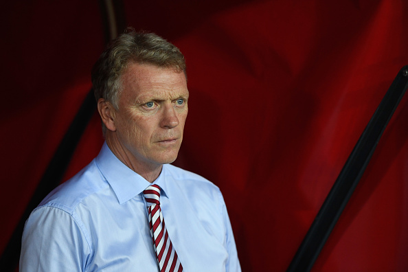 SUNDERLAND, ENGLAND - SEPTEMBER 12:  David Moyes manager of Sunderland looks on prior to the Premier League match between Sunderland and Everton at Stadium of Light on September 12, 2016 in Sunderland, England.  (Photo by Stu Forster/Getty Images)